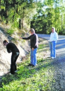 Women revisit place of Yowie sighting